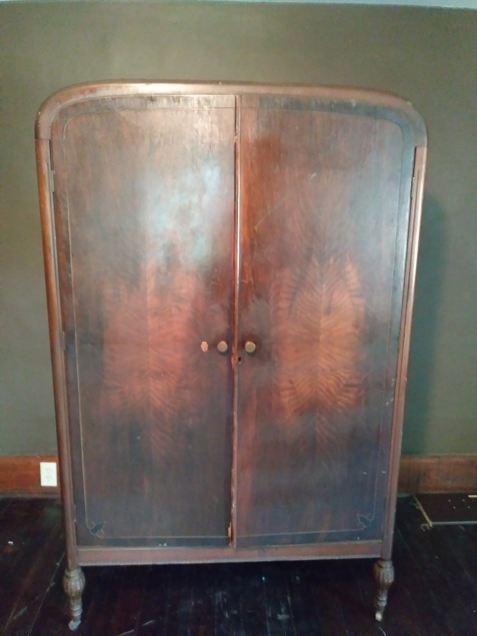 Antique Armoire Age And Value   My Antique Furniture ...