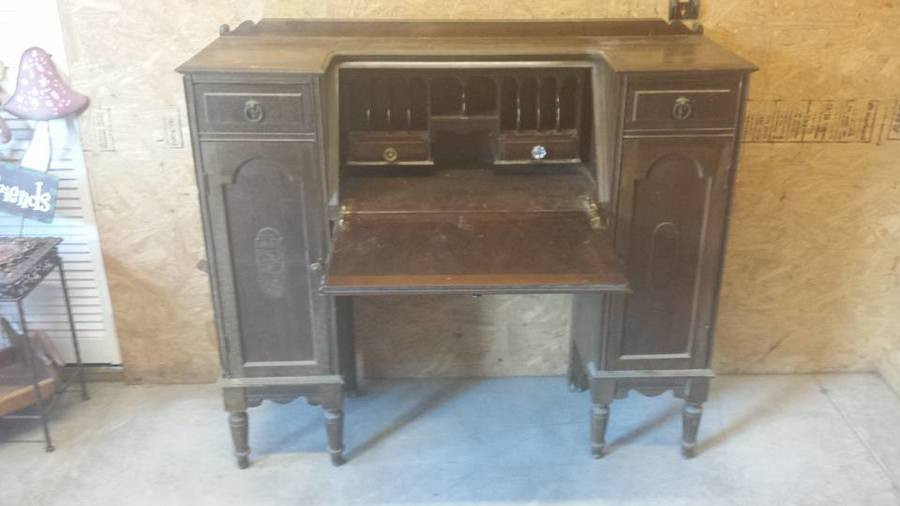 Nice I Am Trying To Date This North Western Cabinet Company Desk. Any  Assistance... | My Antique Furniture Collection
