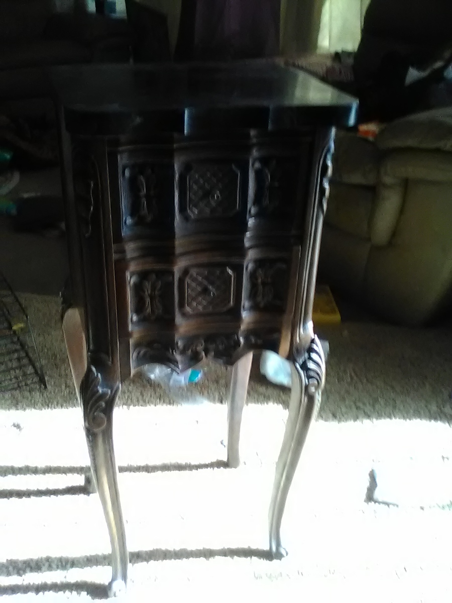 I Have A John M Smyth Small Two Drawer Long Leged Tabel