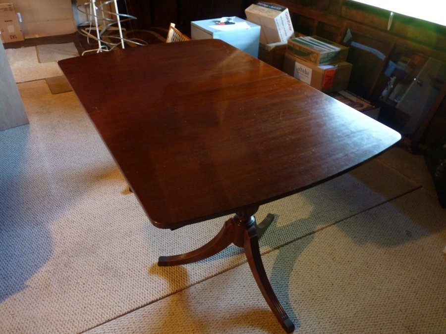 I Have A 62 Quot X 42 Quot Watertown Slide Mfg Table And Six
