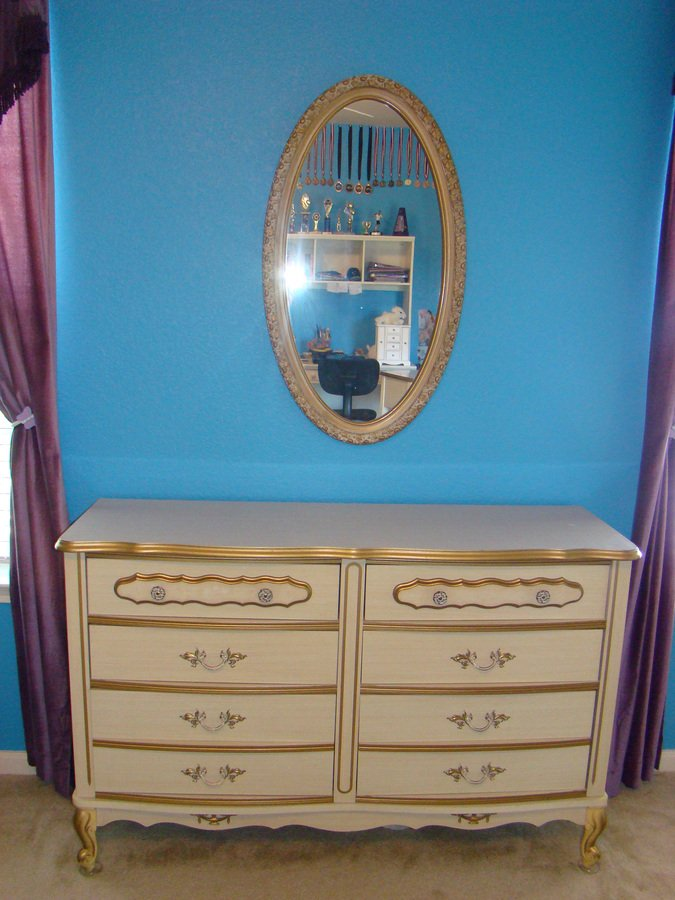 I Have A French Provincial Bedroom Set From The 1960s I