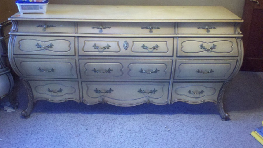 Captivating Im Trying To Find Info On This Bedroom Set. It Says Union Furniture Co. Bat.