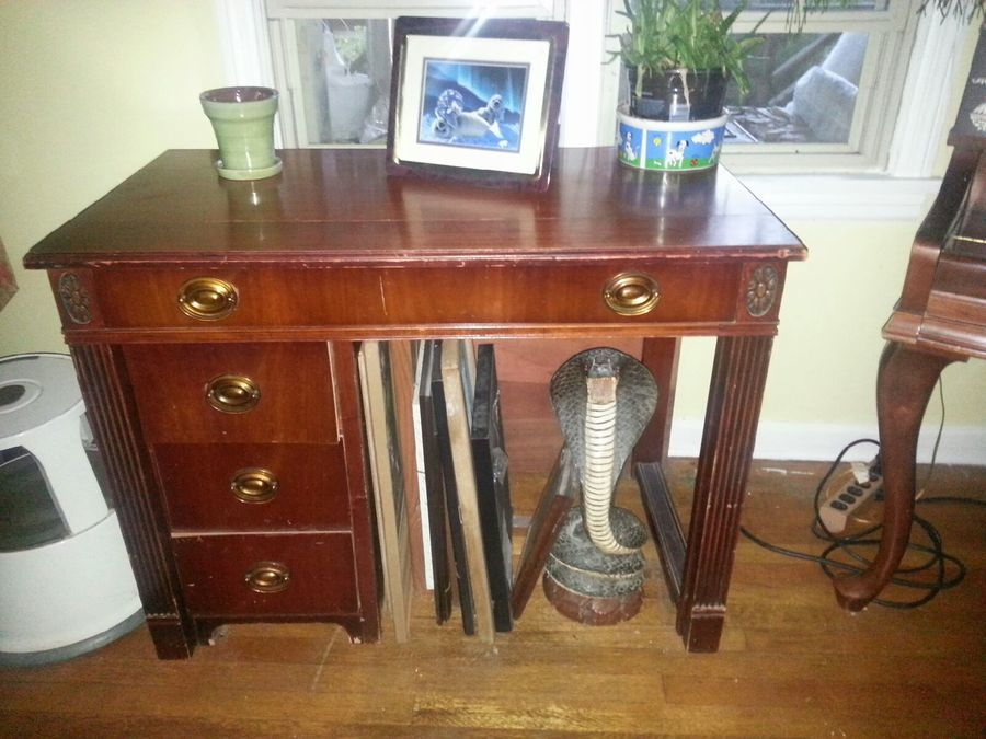 I Am Looking For An Expand O Matic Desk By Saginaw
