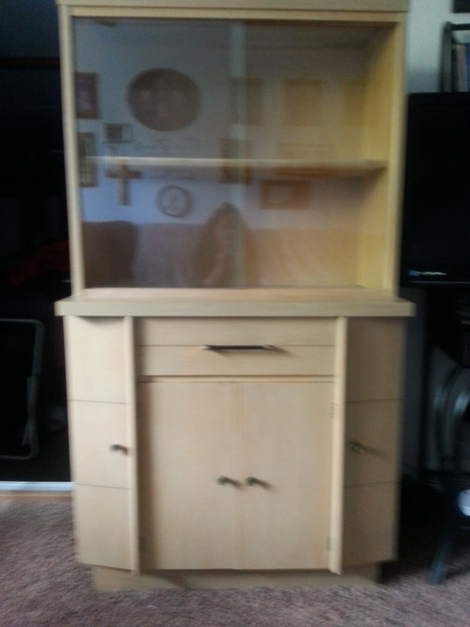 I Have A Blonde China Cabinet Sliding Glass Doors On Top A