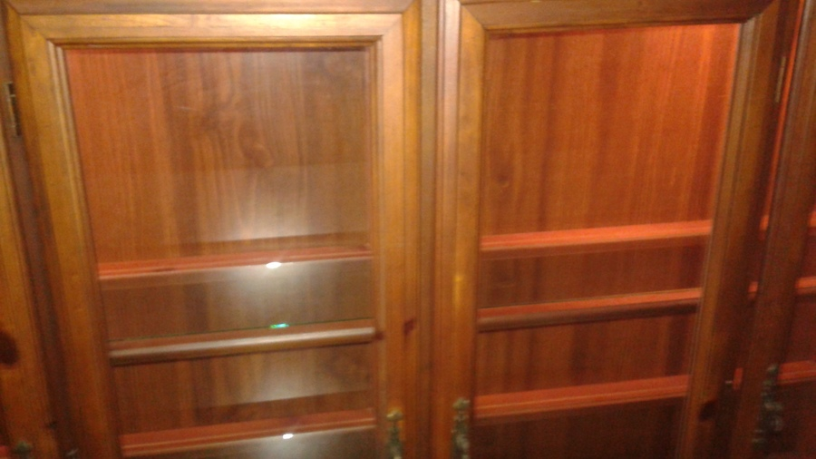 I Have A Bassett Hutch Top Is 69 Quot Wx47 Quot H 4 Glass Doors The