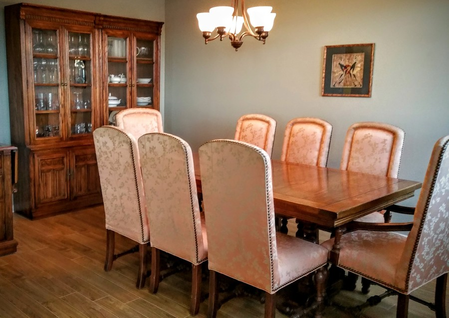 She Has An Ethan Allen Dining Set That We Would Like To Sell It Was Purchased About 1984 Live Near Vancouver BC CAN Are Trying Determine Value