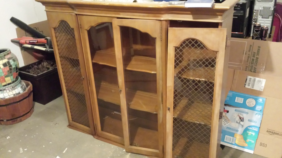 I Have A Bassett Furniture China Cabinet 2 Pieces Top Has 4 Doors Bottom 3