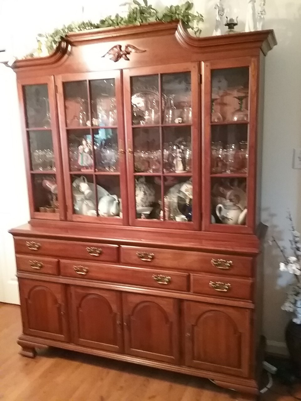 https://d29jd5m3t61t9.cloudfront.net/myantiquefurniturecollection.com/images/fbfiles/images/20170414_181550-vnroxgiv91_v_1492218202.jpg