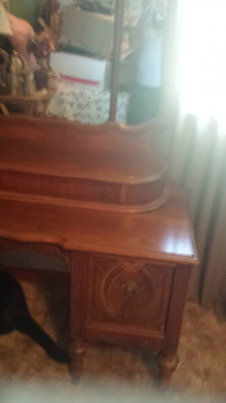 I Have An Antique Mirror Vanity With Small Wood Wheels Can