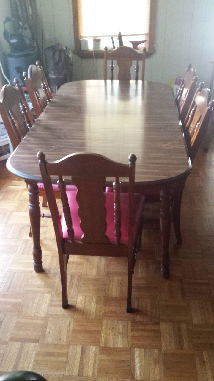 I Have A Broyhill Table With Leaf And 6 Chairs Made At