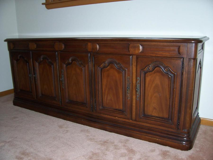 Have A Drexel Heritage Dining Room Set To Sell French