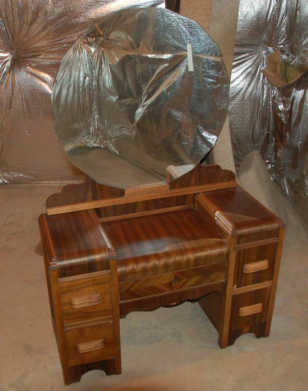 I Have An Art Deco Vanity Dressing Table With Round