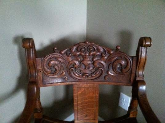 Antique Dining Chairs >> I Have A Solid Oak Antique Chair With A Carved Gargoyle ...