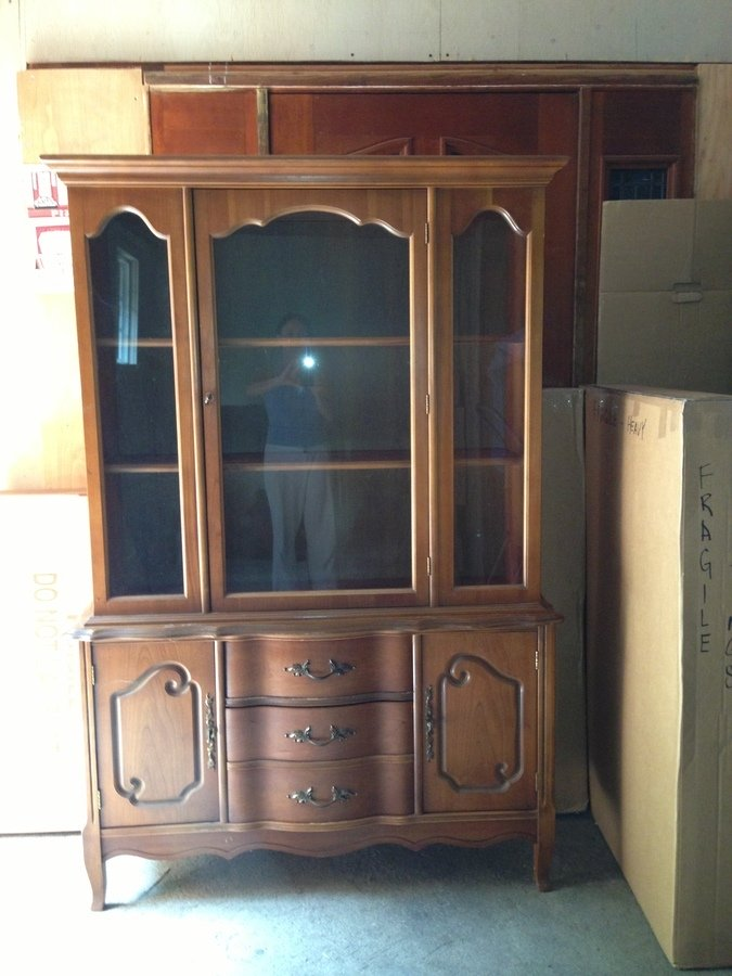 I Would Greatly Appreciate If You Could Identify And Place An Approximate  Value On What I Believe To Be An American China Cabinet Circa 1950u0027s.