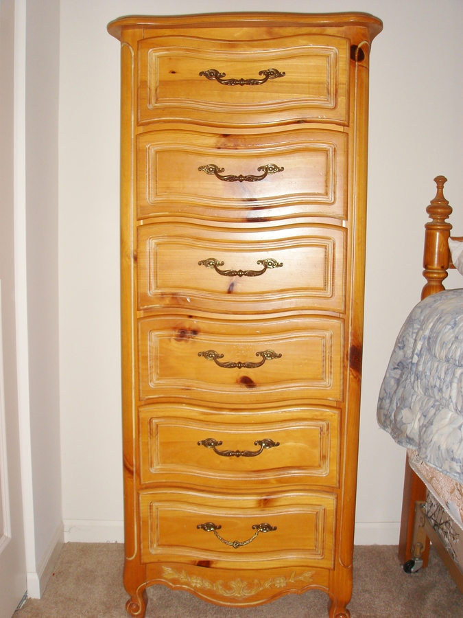 I M Looking For Henry Link Chardonnay Bedroom Furniture