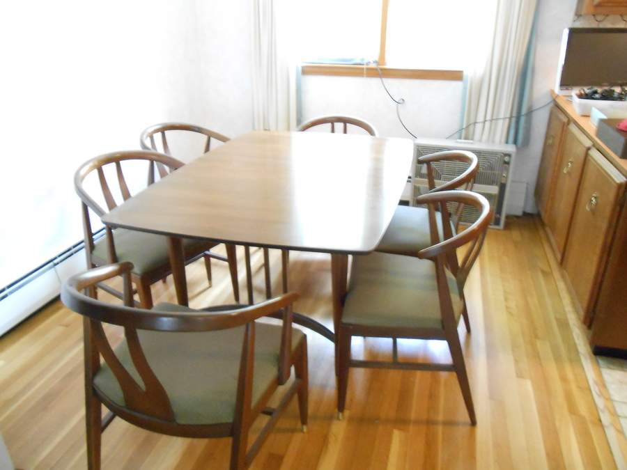 This Is A Blowing Rock Dining Room Set Says 1926 1029 On