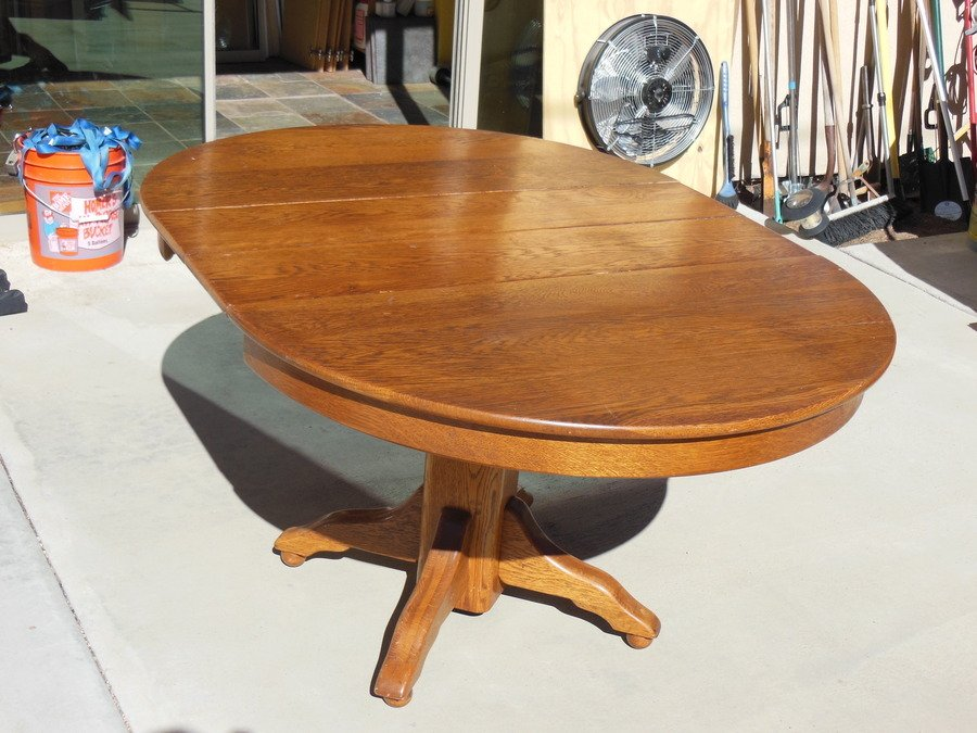 Iu0027m Trying To Sell This Table But Want To Have A Better Idea Of Itu0027s Value.  Thank You For Your Help