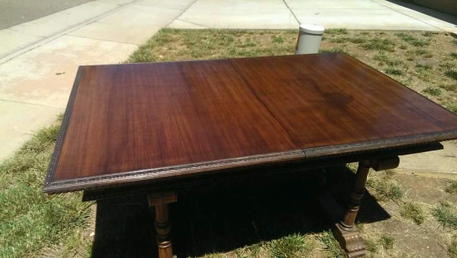 I Have An Empire Manufacturing Co Dining Room Table With