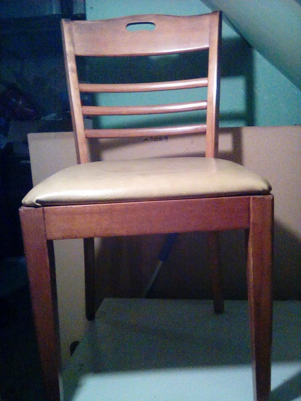 I Have 4 Hale Furniture Arlington Vt Yellow Leather Seat