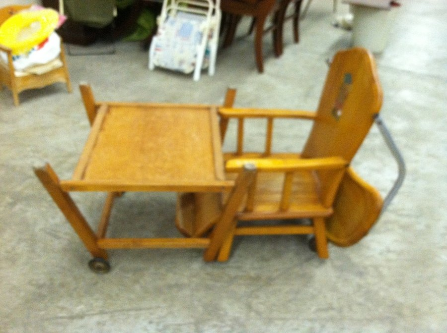 I Have An Oak Hill Co High Chair That Converts To A Play
