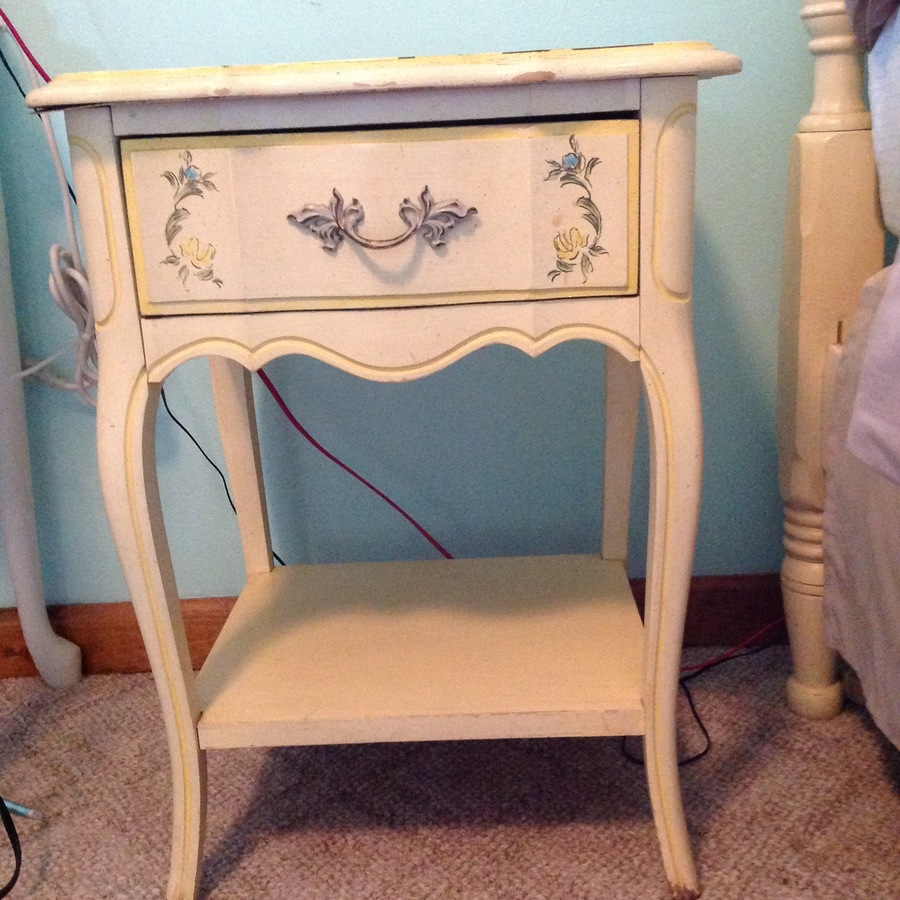 ... Not Gold Like Many Of The French Provincial Sets Iu0027ve Seen Online. Does  Anyone Know How Much This Should Sell For? I Have The Hardware For The  Canopy.