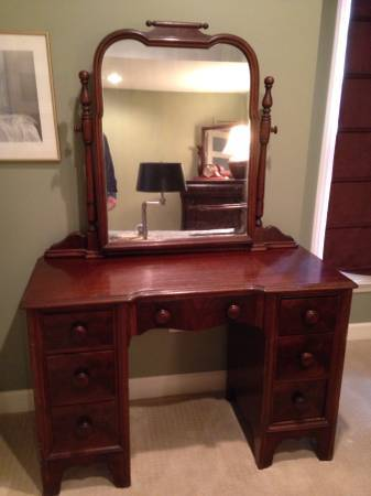 I have a 1930 39 s 46 mahogany continental furniture company vanity and idea my antique for Continental furniture company bedroom