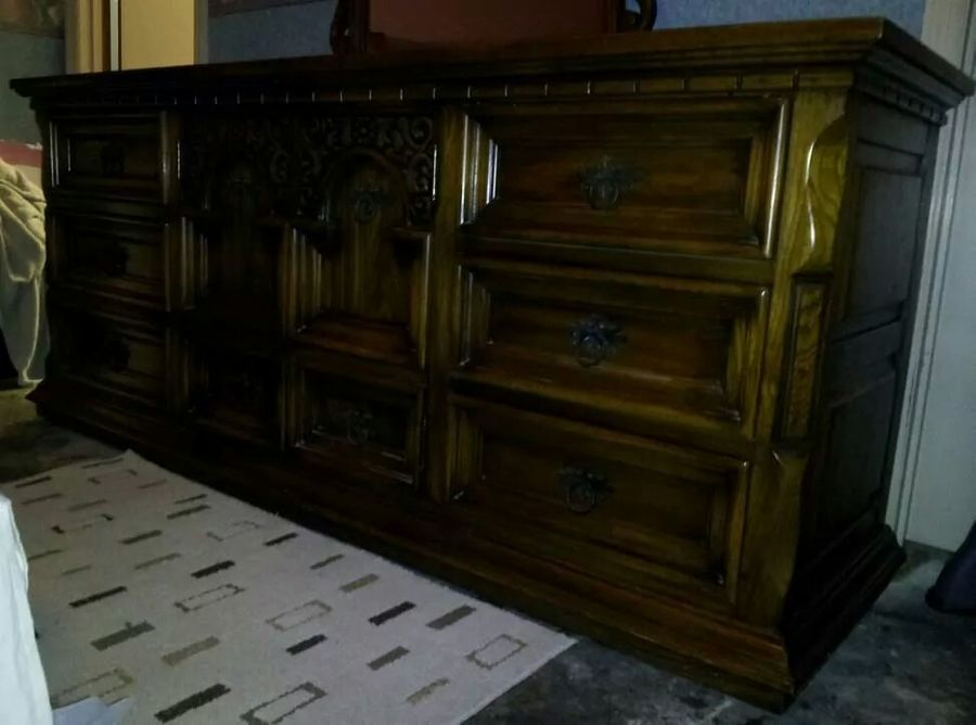 Hi Have A 1960 S Link Taylor King Bedroom Set Complete With Headboard W My Antique Furniture Collection