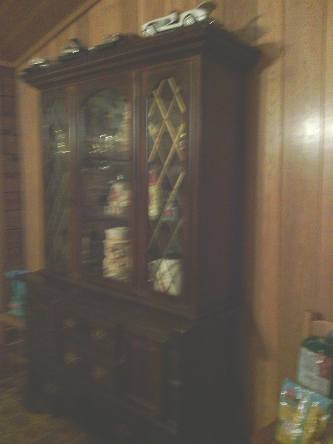 Ii Have A Antique Hutch With Beveled Mirror It Is A 2