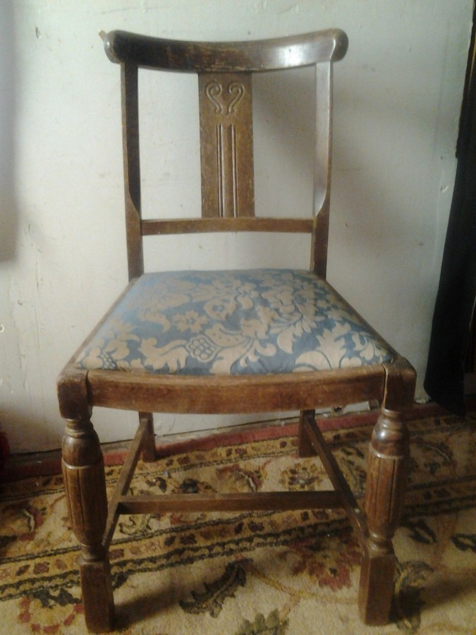 need help identifying dining chair period or style and how much they should my antique. Black Bedroom Furniture Sets. Home Design Ideas