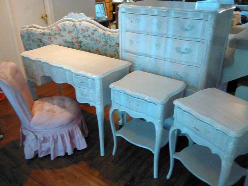 How Much Should I Sell Bedroom For My Antique Furniture Collection