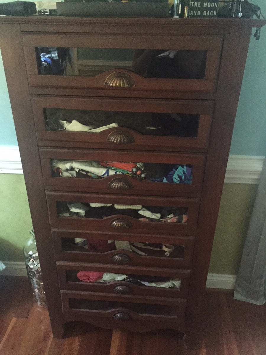 Hi This Is A 7 Drawer Glass Front Lingerie Chest That I