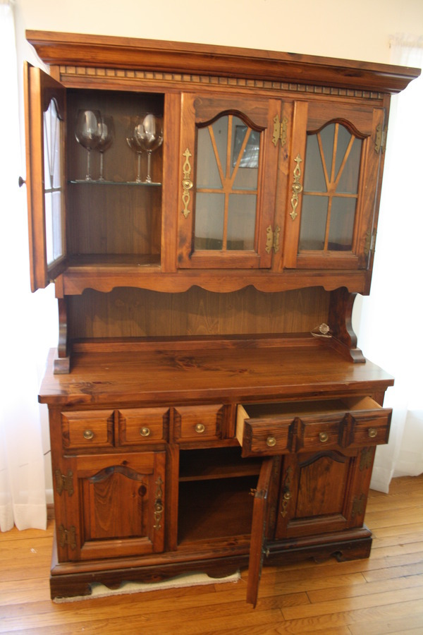 Hello, I Would Like To Know If This Armoire Is Antique, What Is The Type Of  Wood And An Idea Of Itu0027s Value. Thankyou For Your Time. Camille .
