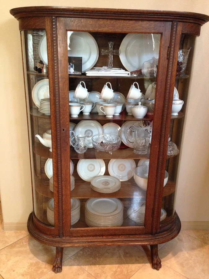 Awesome Inherited Antique China Cabinet/Curio From My Great Grandmother. I Am  Wonde... Heather12_31 4 Years Ago