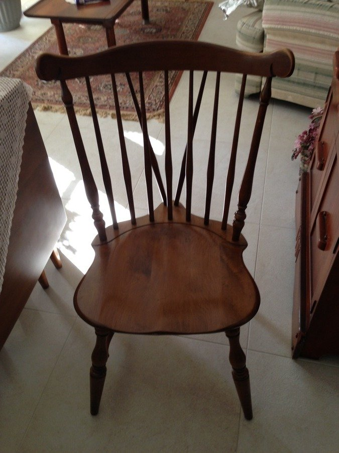 ... Colonial Dining Room Chairs Solid Maple 30 6032 Buckwheat. They Are In  Excellent Condidtion With Minor Wear On The Tops Of The Back Rest.