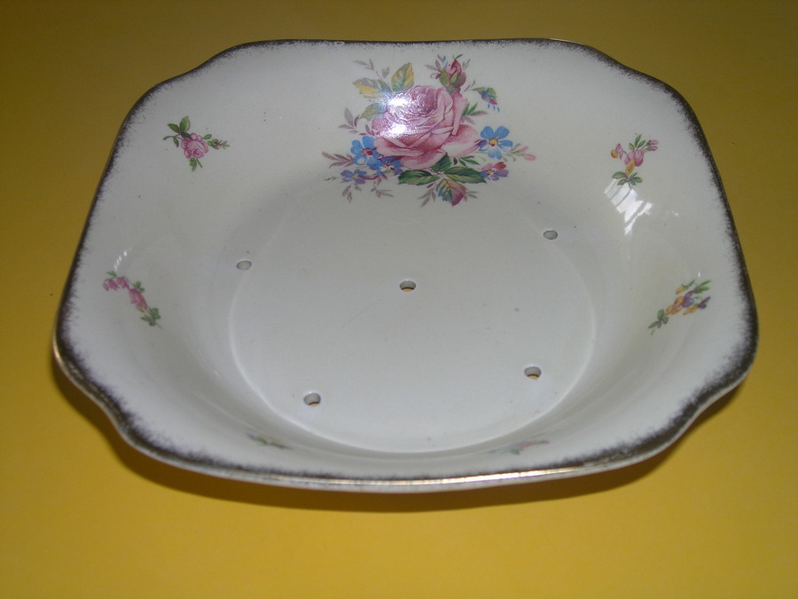 I Have A Square Style Bowl With 6 Holes In The Base Has A