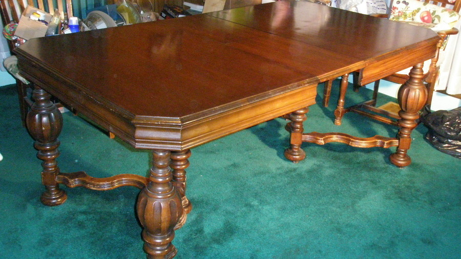 We Have A Dinning Table With 1 Leaf And Buffet Made By The Drexel Furntiture Co In Morganton NC Possibly 1930 1950s Can Anyone Tell Me What