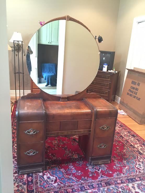 1930s Waterfall Vanity With Original Round Mirror My
