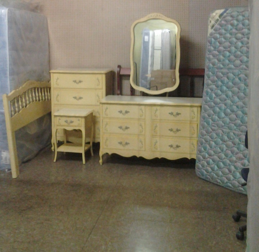 Antique Yellow Bedroom Furniture Bedroom Colour Design Ranch Bedroom Decor Cool Kid Bedrooms For Girls: My Antique Furniture Collection