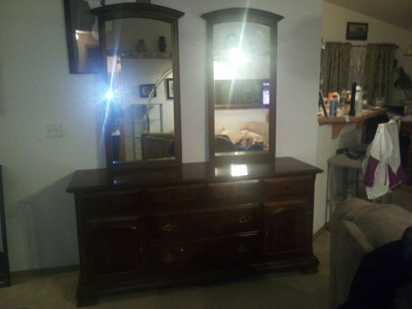Ethan Allen Triple Dresser With 2 Mirrors From 1950