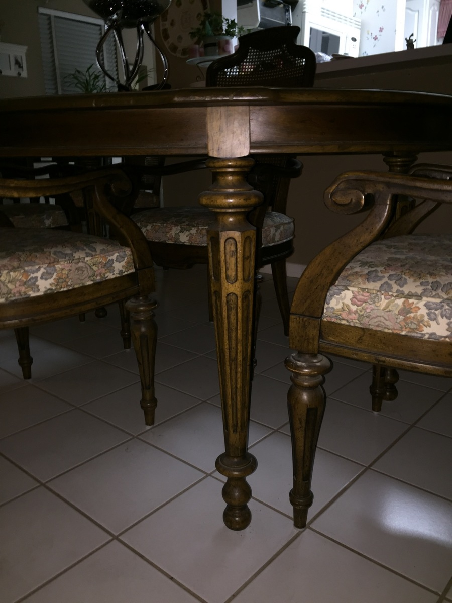 I Have A Heritage Grand Tour Dining Room Tangle With 6