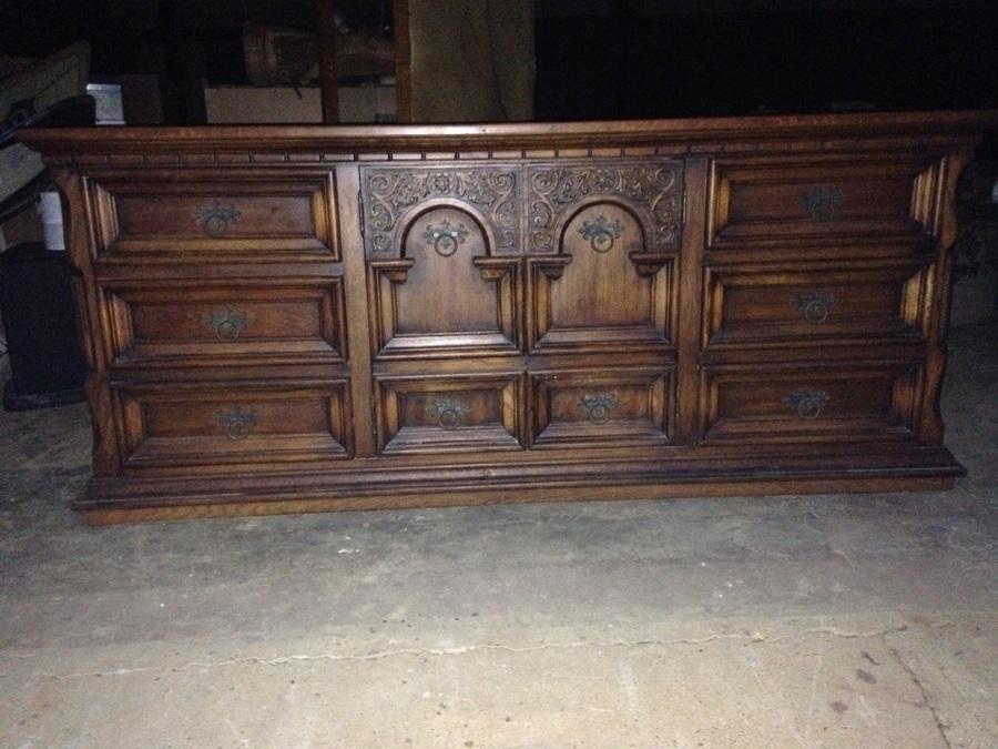 I have a queen link taylor solid oak bedroom suite that i for Taylor j bedroom furniture
