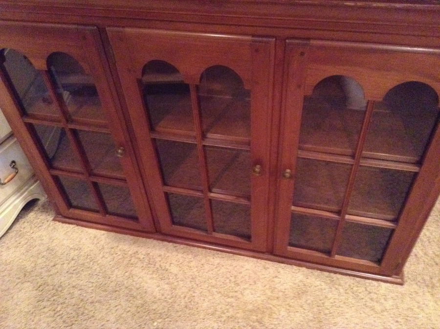 This Is The Top Of A 1940 S China Cabinet Made By Temple Stuart Does Anyon My Antique