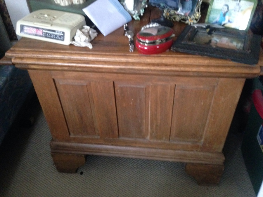 Antique Ice Box/Chest? Wondering value of? Pictures attached. Very heavy. T.. & Antique Ice Box/Chest? Wondering Value Of? Pictures Attached. Very ... Aboutintivar.Com