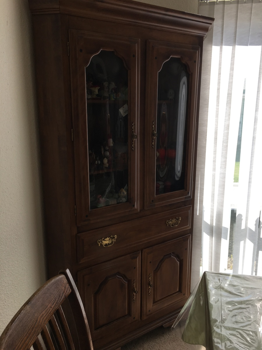 I Have An Early American Temple Stewart Corner Hutch With Rounded Glass Doo My Antique