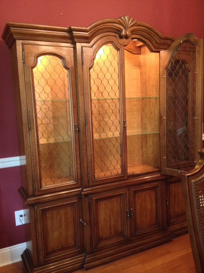 I Would Love To Know Which Style Or Model This Henredon Dining Room Set Is And Also Approximate Value Pecan Wood