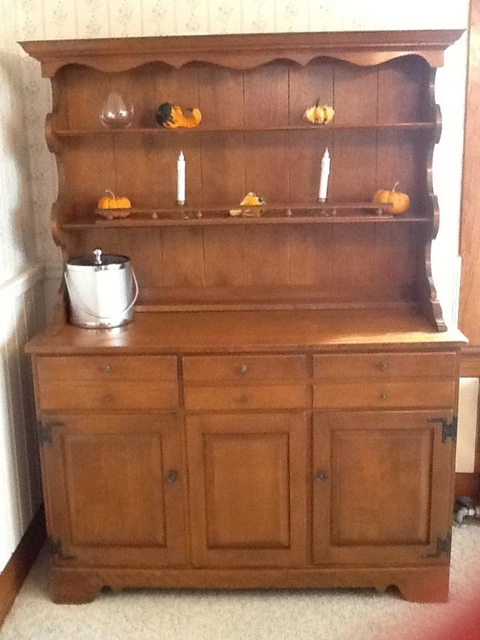 I have a complete ethan allen by braumritter maple dining rooms set it inc my antique - Ethan allen buffet table ...