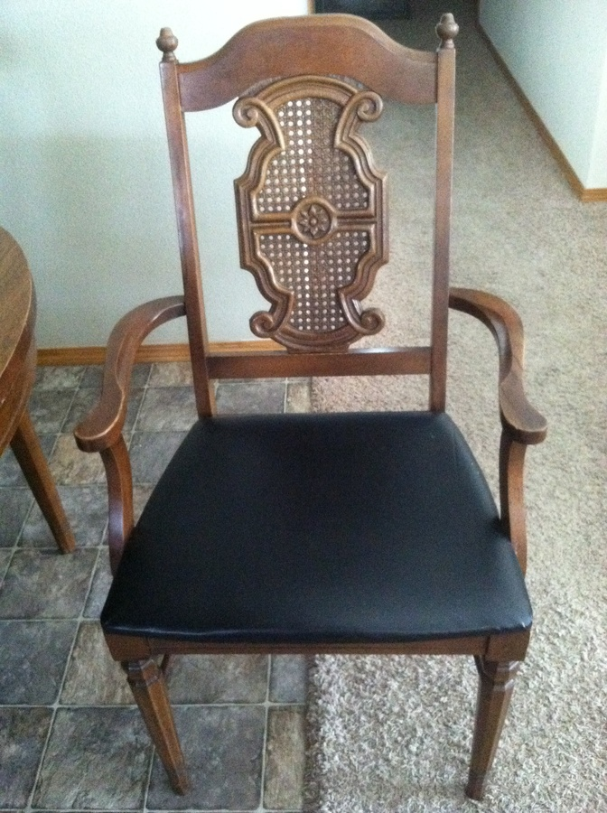 Broyhill Conover Furniture Co. Cut 885 Suite 5125 81 Fabric No. 007 99 Side  135. Lenoir Chair Co. Registry No. Cal. 4139