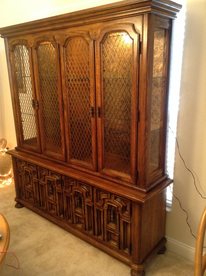 I Have A Stanley Cordova Line Curio China Cabinet Which Is