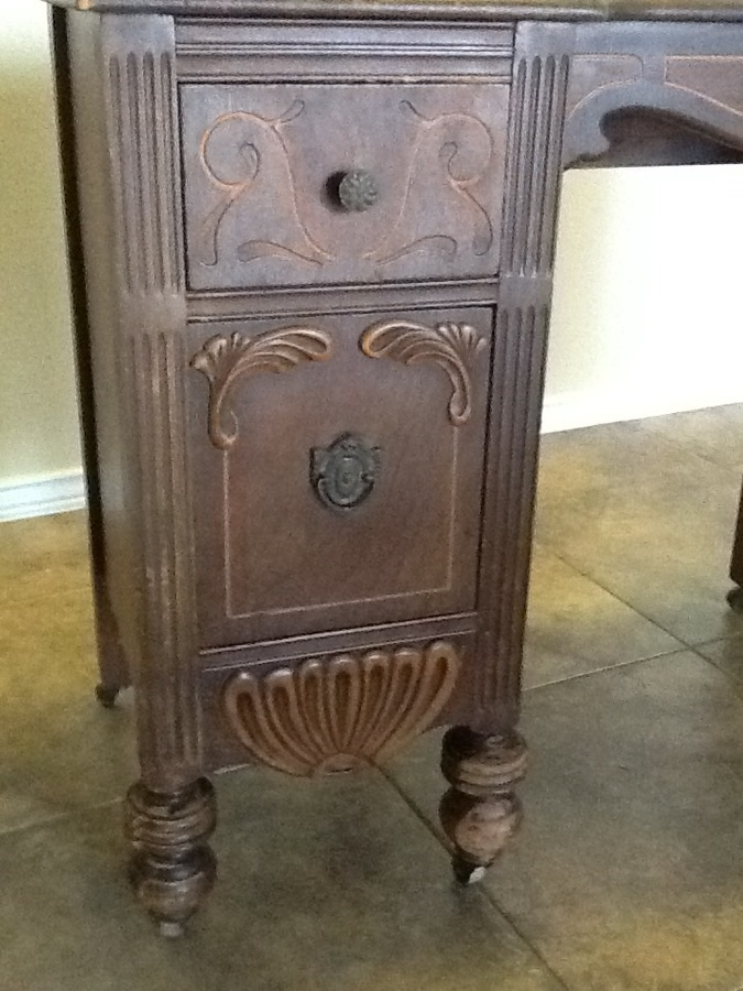 What Is This Dresser Worth About How Old Is It And Should