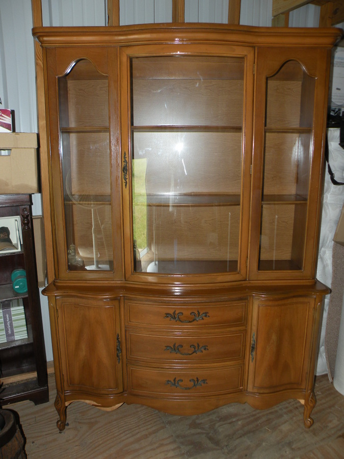 Need To Identify China Cabinet   1960s? Broyhill?